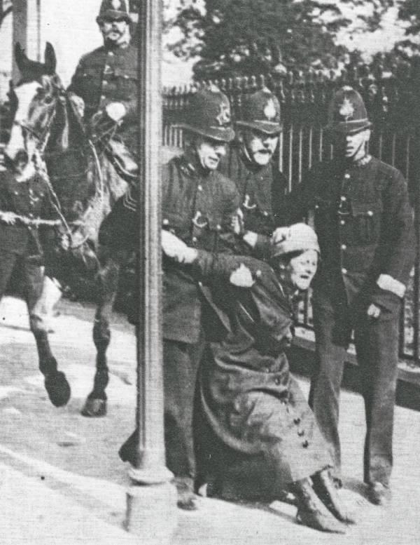 Arrest Outside Buckingham Palace