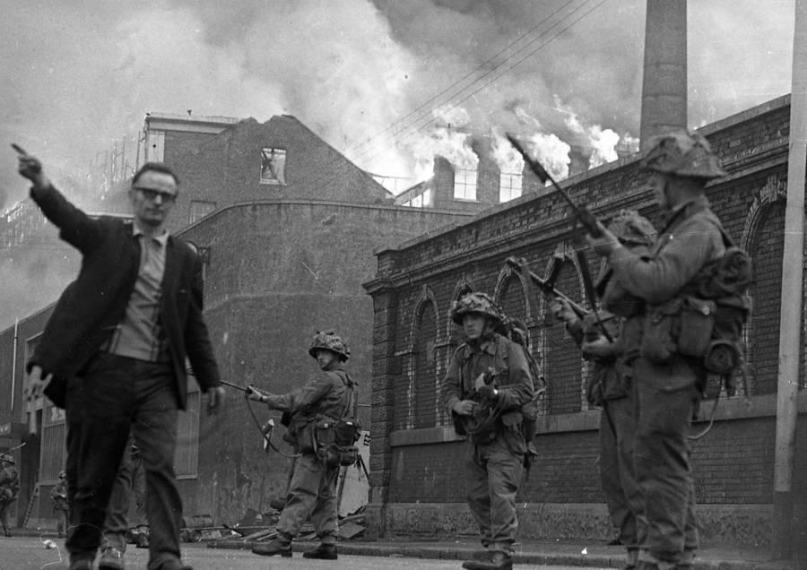 Fire Soldiers Guns Man