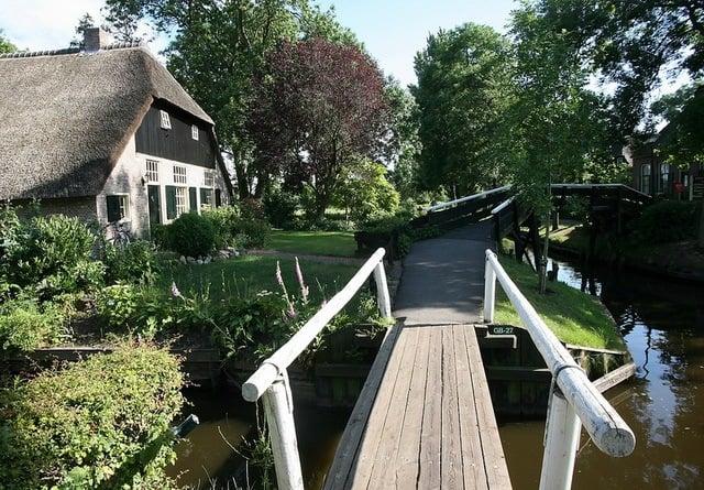 Giethoorn Bridge Sidewalk