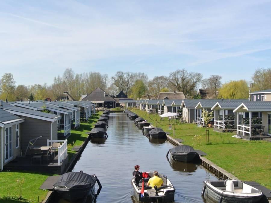 Giethoorn Neighborhood