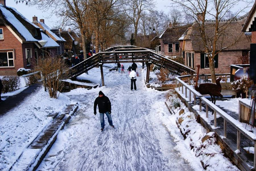 Giethorn Ice Skating
