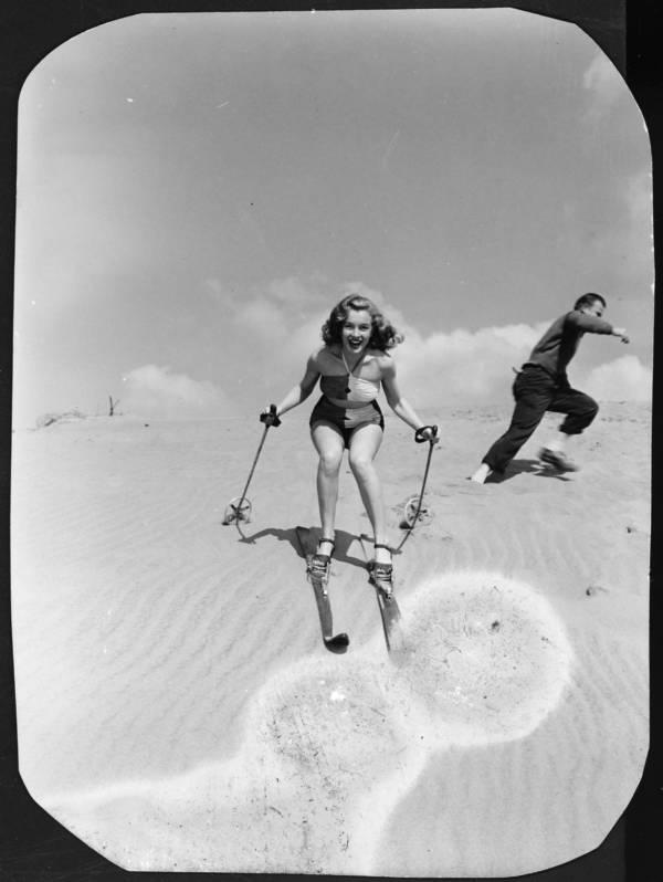 Marilyn Monroe On Skis