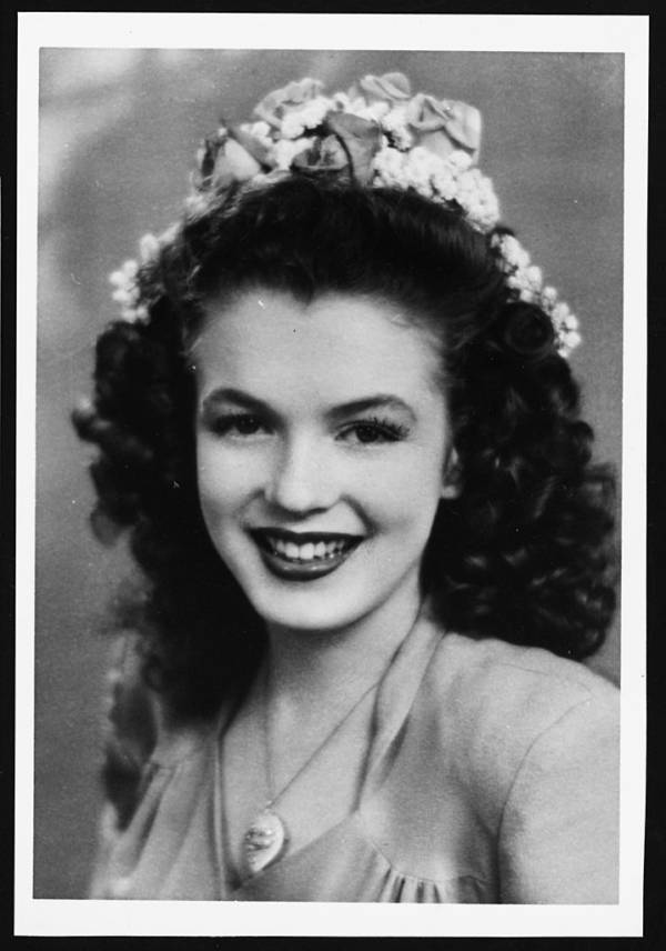 Teenaged Norma Jeane Baker