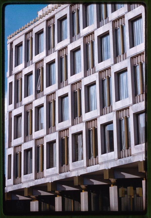 United States Embassy London Exterior Windows