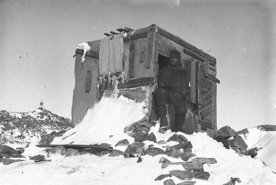 Astronomic Observatory Antarctic Exploration