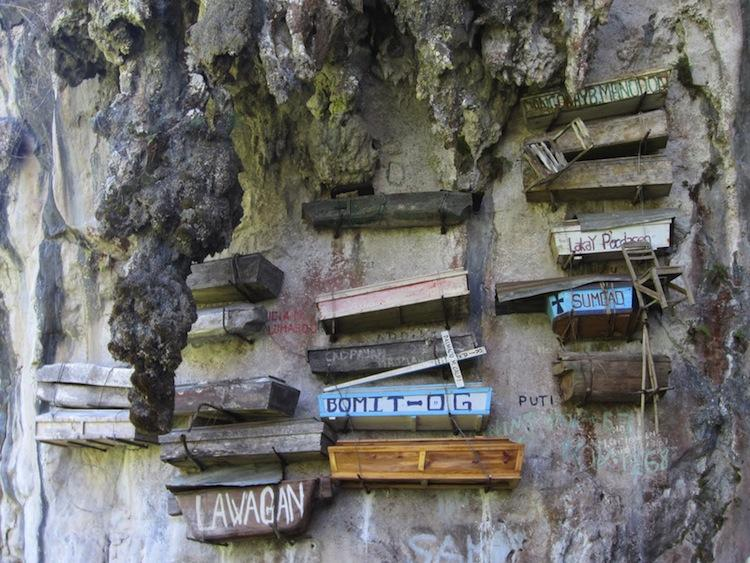 Images Of Hanging Coffins In Asia