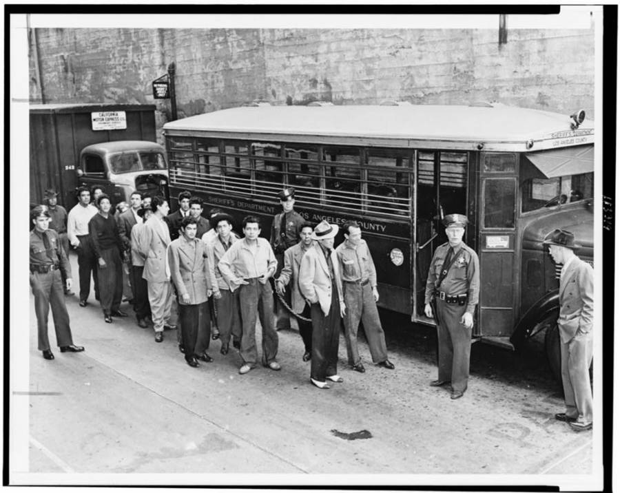 Bus To Courthouse