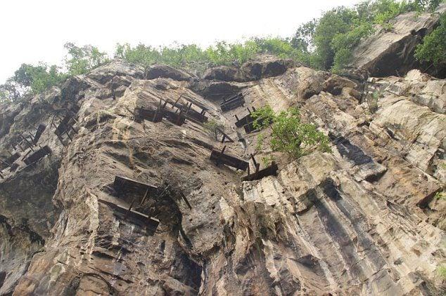 Coffins Hanging China