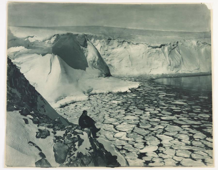 Commonwealth Bay Antarctic Exploration