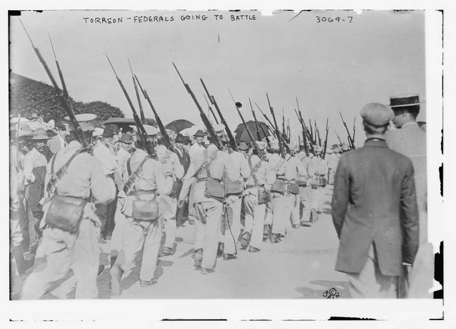 Federals Going To Battle