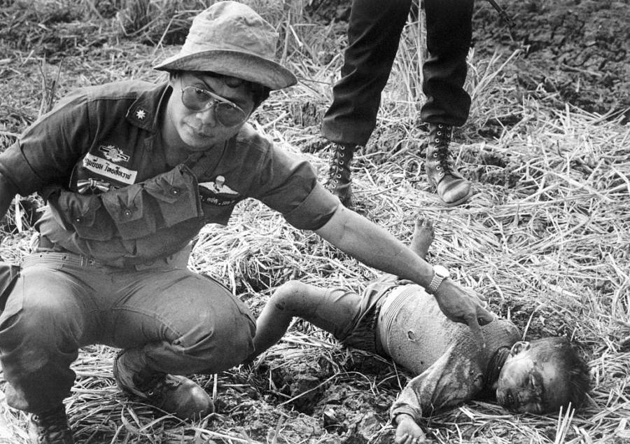 The Killing Fields: 33 Haunting Photos From The Cambodian ...  Khmer