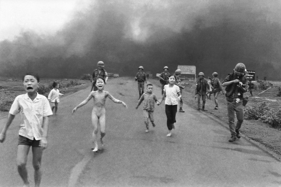 Napalm Girl Photograph