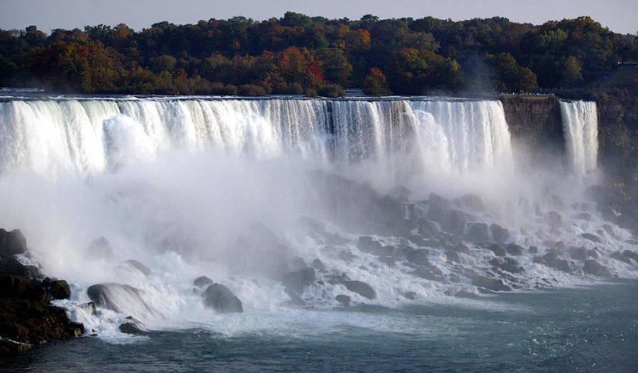 Niagara Falls Man Dies
