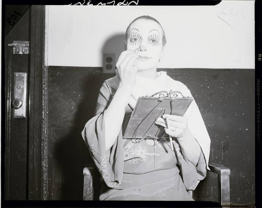 Lulu First Woman Clown