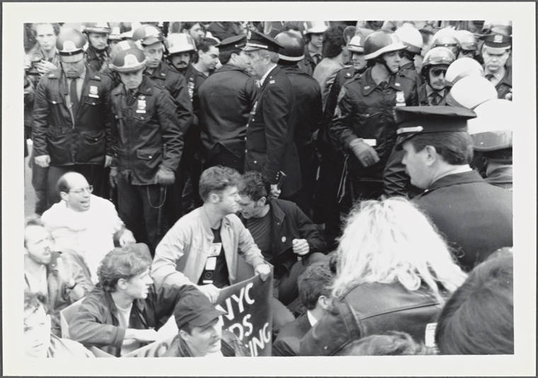 Airs Protesters With Police