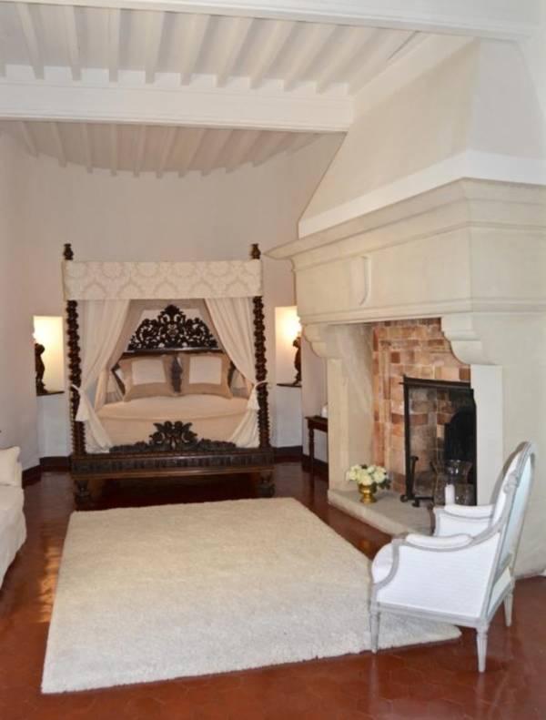 Bedroom Castle