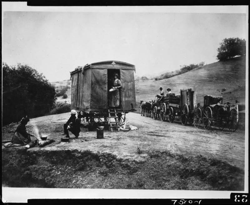 Cahuenga Pass Wagons