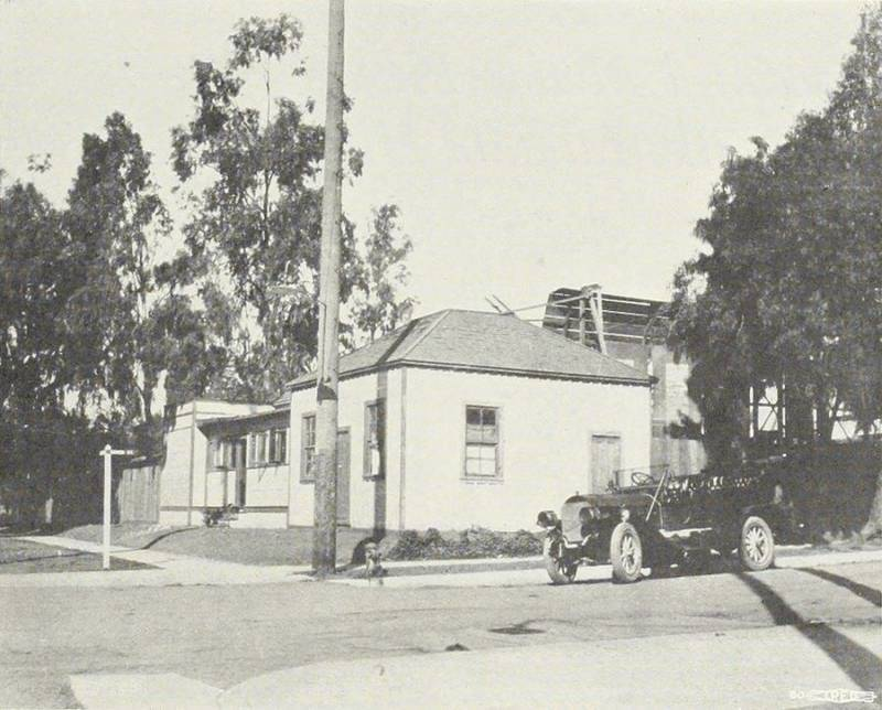Car Small House