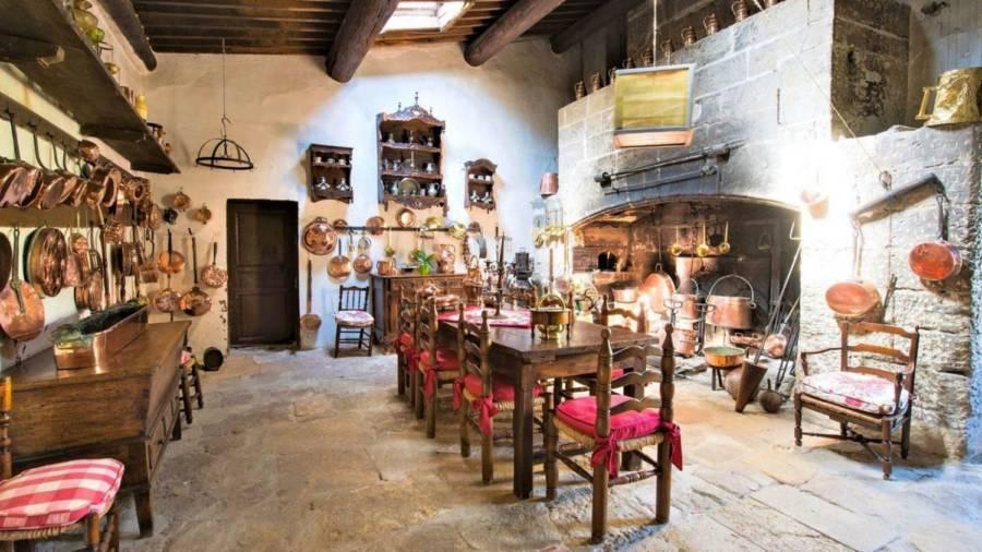 Chateau Kitchen
