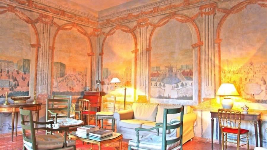 Chateau Living Room