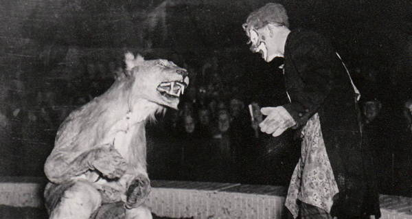 Clown Lion Suit Crowd