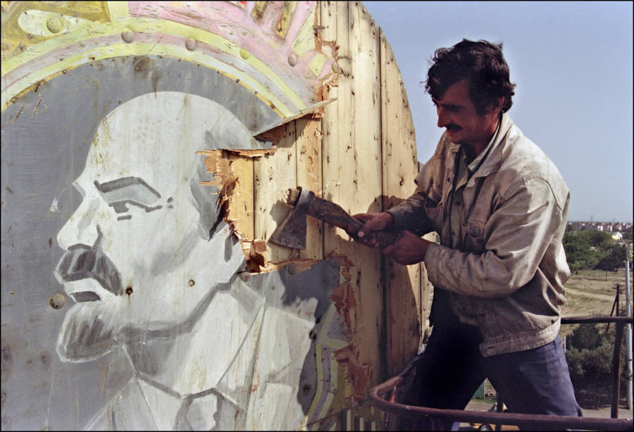 Cutting Out Lenin