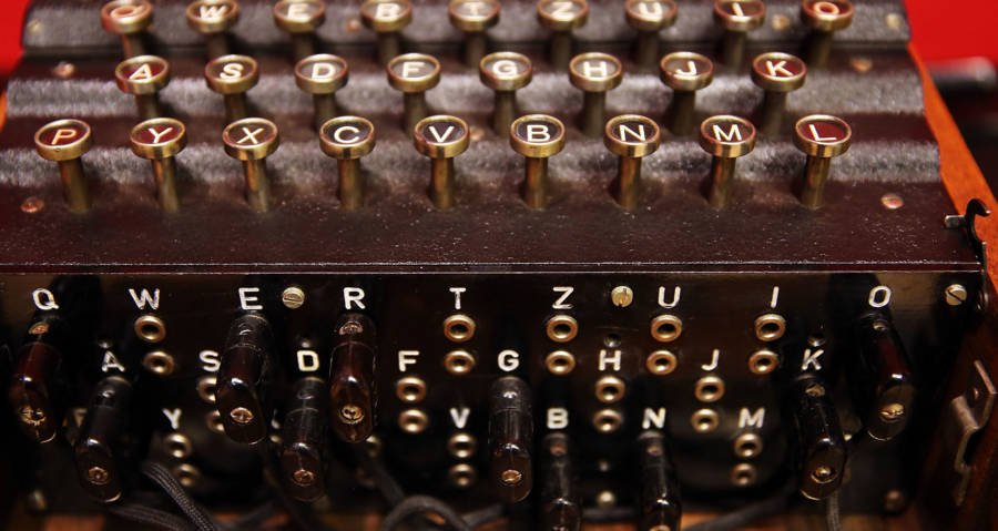 """""""Typewriter"""" Bought At Flea Market Actually A Nazi Enigma Machine, Sells For Big Money At Auction"""