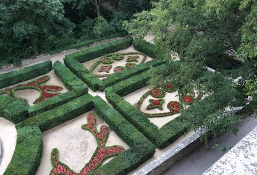 Flowers Chateau