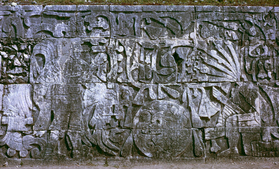 Human Sacrifice Mayans