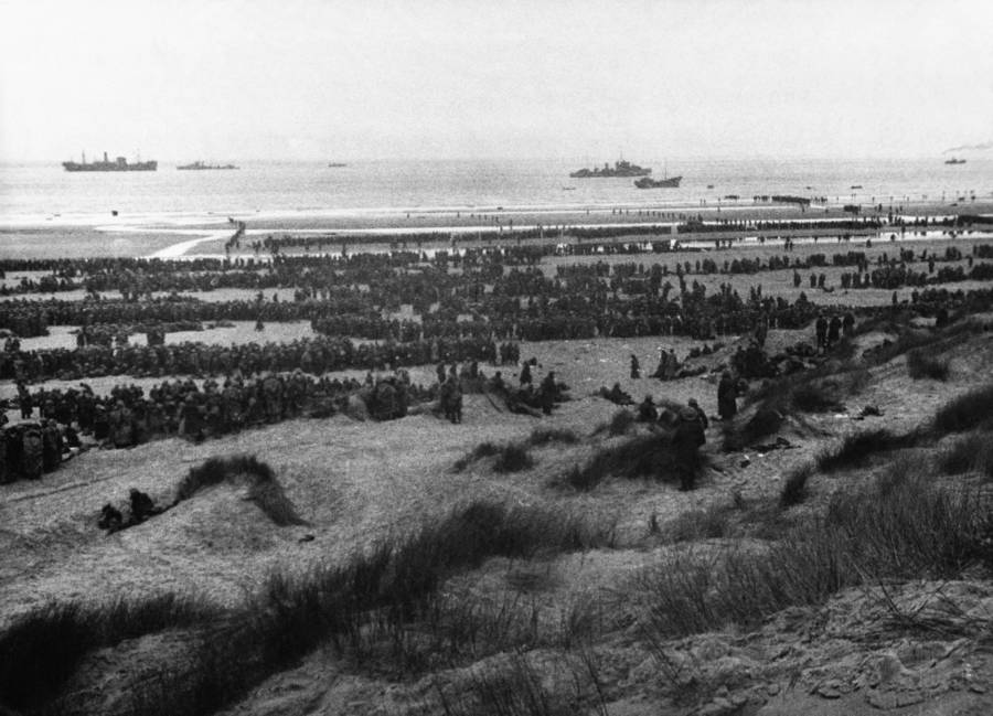 Many Soldiers On Beach