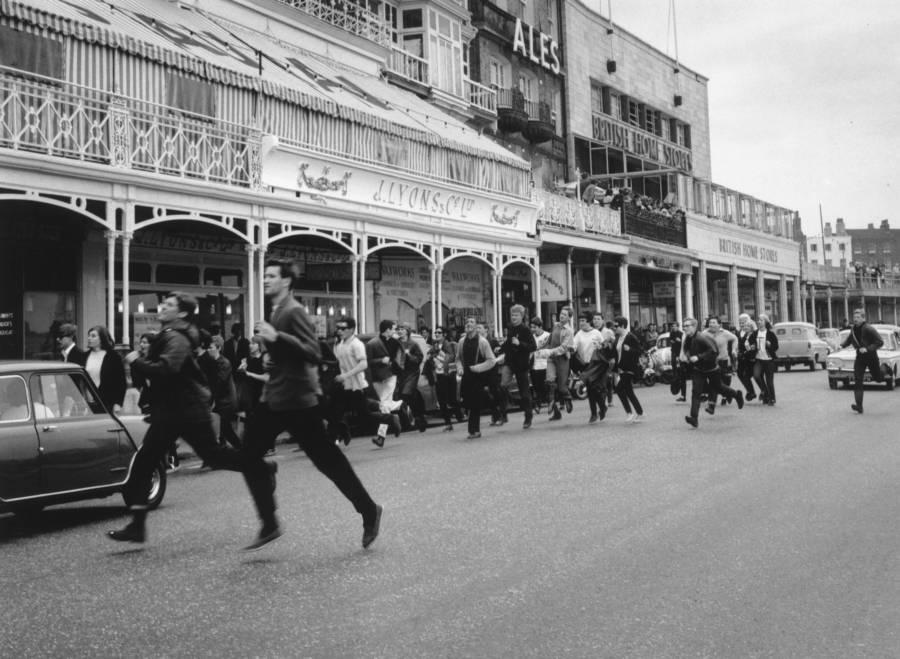 Mod Mob Fleeing Rockers