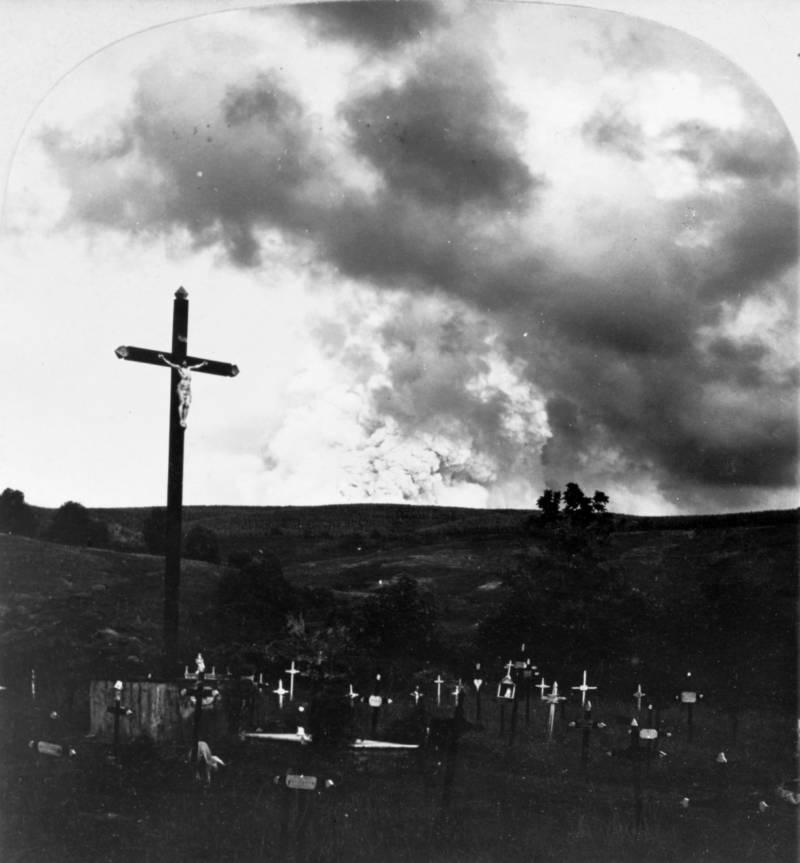 Mt Pelee Graves