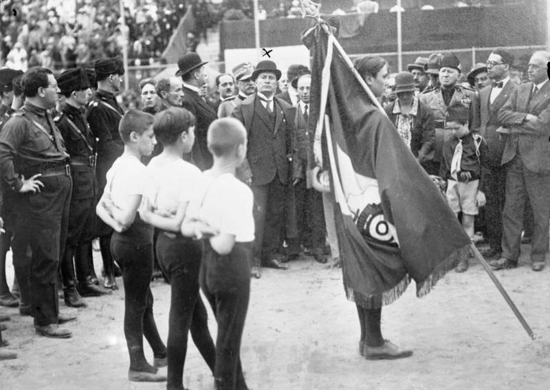Mussolini Consecerating Flag Rome
