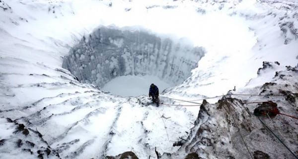 """Giant Craters Open Up Across Siberia's """"End Of The Earth"""" Peninsula"""