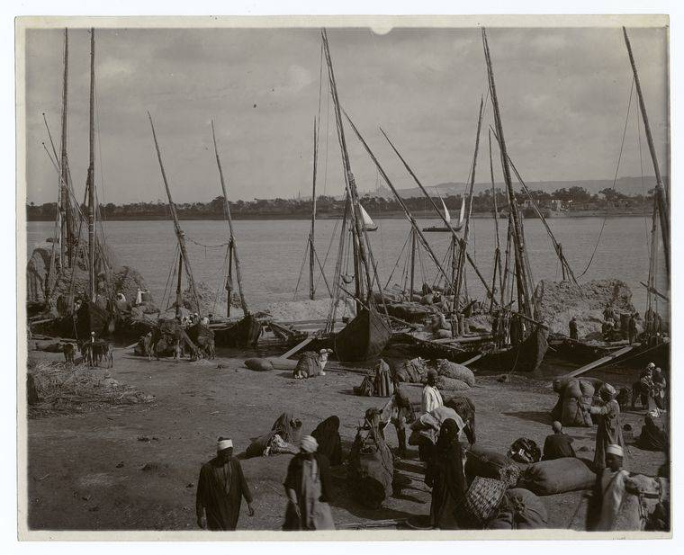 Unloading Boats Egypt