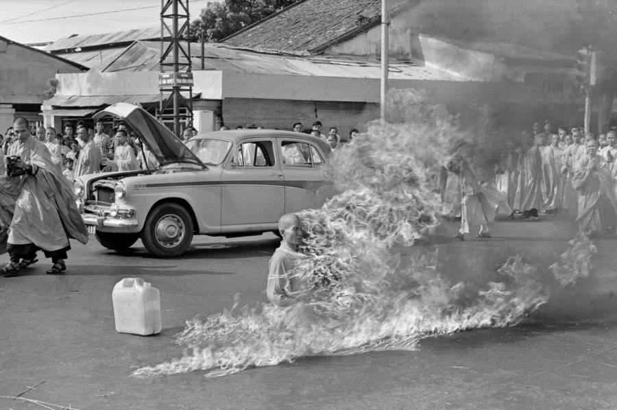 Vietnam Monk Burning Himself