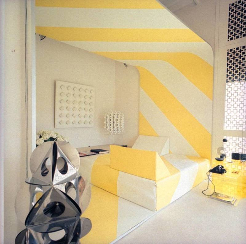 Yellow Stripe Sitting Area