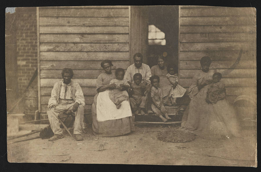 Slaves on the plantation in Virginia