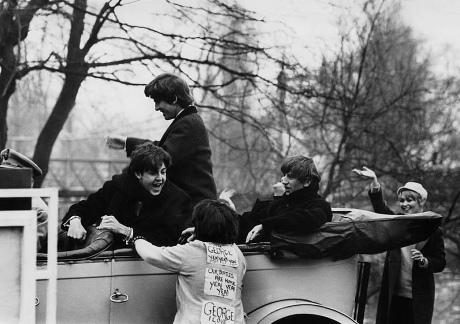 Beatlemania Fan Mobs Car