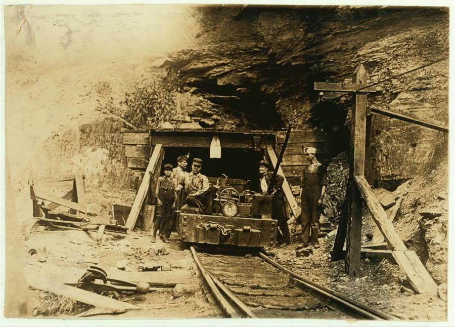 Children Working In Mines