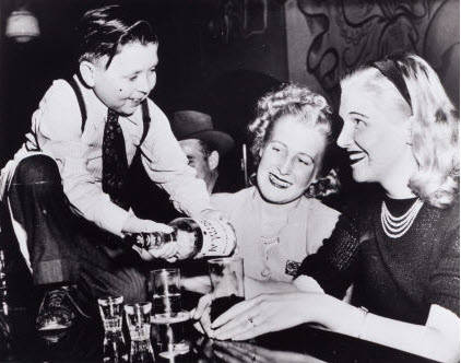Eddie Gaedel With Women