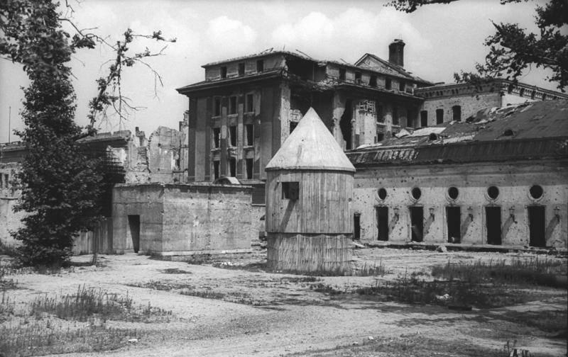Entrance Hitler Bunker