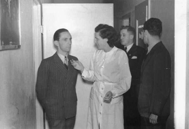 Goebbels And Leni Riefenstahl