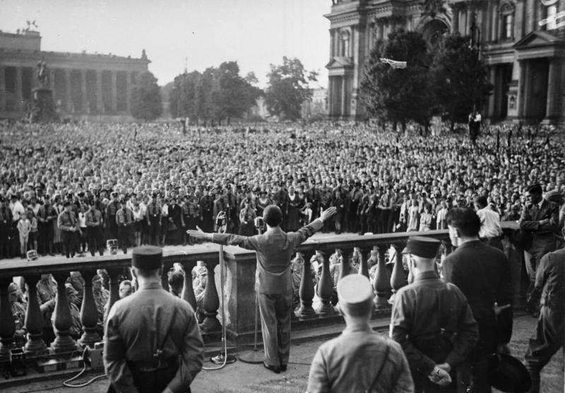 Goebbels Making A Speech