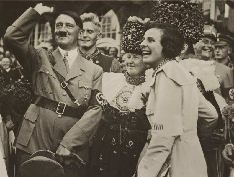 Hitler Leni Riefenstahl Wave