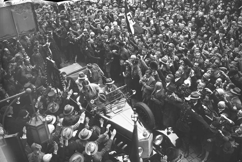 Hitler Mobbed By Supporters