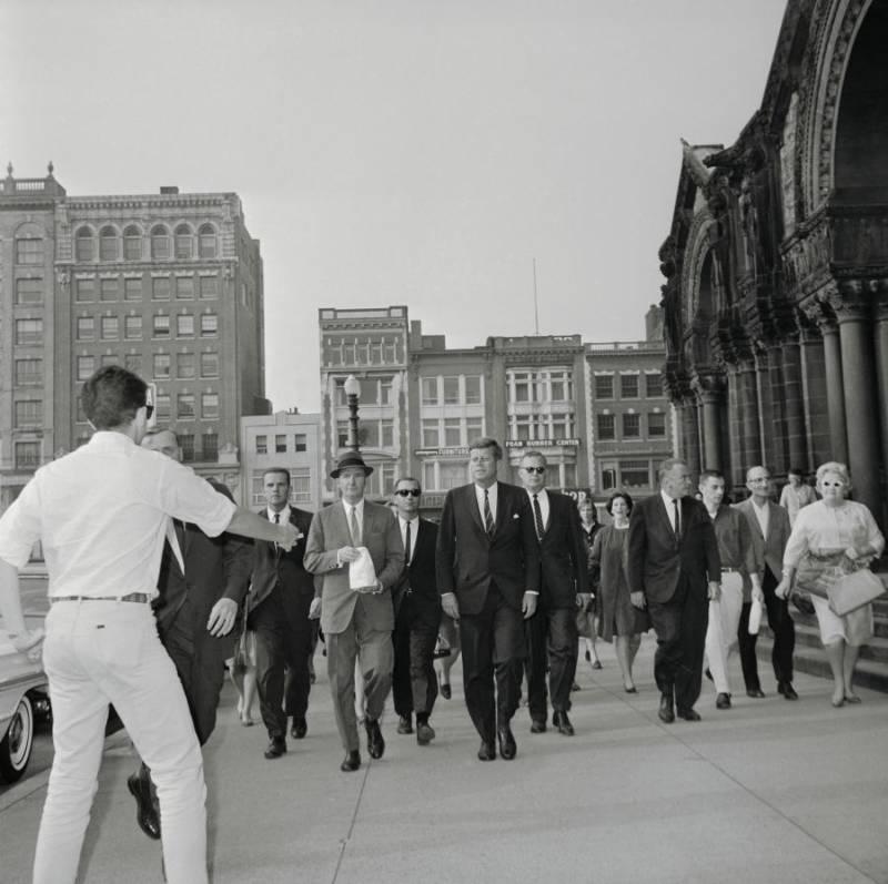 Jfk Taking Stroll With Secret Service