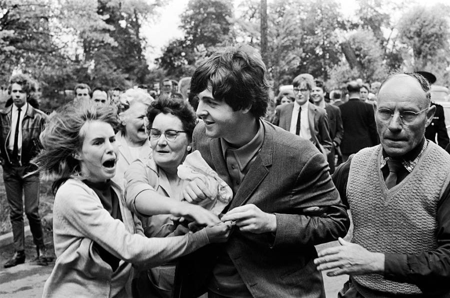Paul Mccartney Mobbed By Fans