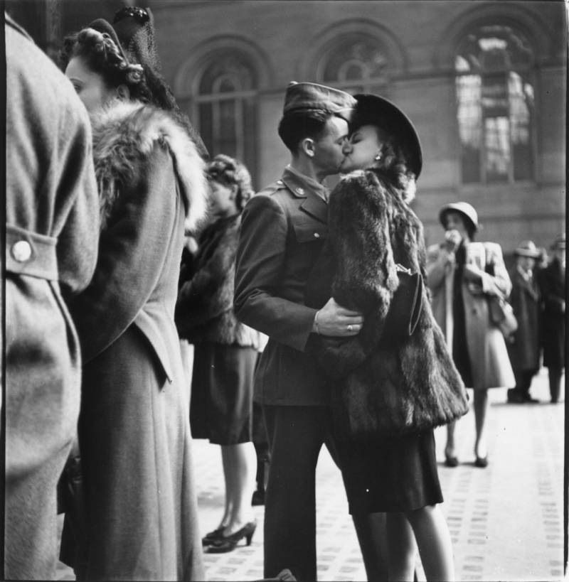 Penn Station Kiss