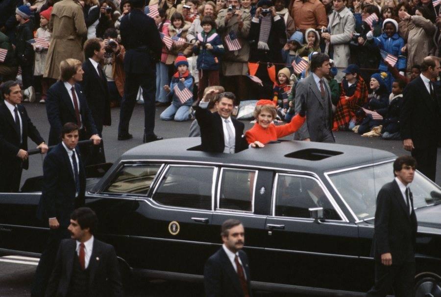 Reagans Waving At Inaugural Parade